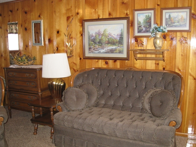 Doc Holiday Authentic Lodge Style Room at Mountain Shadows Lodge